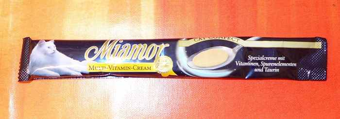 Finnern Miamor Multi-vitamin-Cream 990g (66x 15g) -- provided by bepixelung.org - see http://bepixelung.org/21821 for copyright and usage information