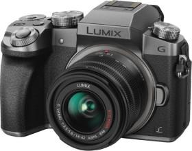 Panasonic Lumix DMC-G70 silber mit Objektiv Lumix G Vario 14-42mm 3.5-5.6 OIS (DMC-G70K/DMC-G7K)