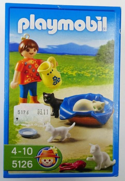 playmobil - Country - Mädchen mit Katzenfamilie (5126) -- via Amazon Partnerprogramm