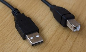 Diverse USB 2.0 Kabel A/B  3m -- provided by bepixelung.org - see http://bepixelung.org/5234 for copyright and usage information