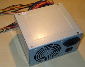 Various Power Supplies 600W/630W ATX 2.0/2.2/2.3 -- provided by bepixelung.org - see http://www.bepixelung.org/1959 for copyright and usage information