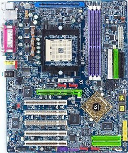Gigabyte GA-K8NSNXP, nForce3 250 (PC-3200 DDR)