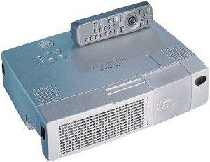Hitachi CP-X320W