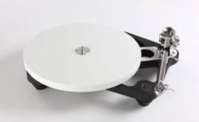 Rega Planar 10 mit P10 PSU und Tonabnehmer schwarz