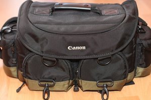 Canon 1EG Professional Gadget Bag camera bag (0027X678) -- provided by bepixelung.org - see http://bepixelung.org/5971 for copyright and usage information