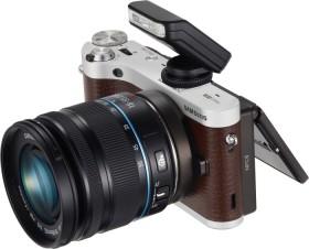 Samsung NX300M braun mit Objektiv NX 18-55mm OIS III i-Function