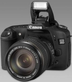 Canon EOS 30D schwarz mit Objektiv EF-S 17-85mm und Speedlite 430EX (1234B126)