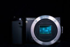 Sony Alpha NEX-5 schwarz Gehäuse (NEX-5B) -- © bepixelung.org