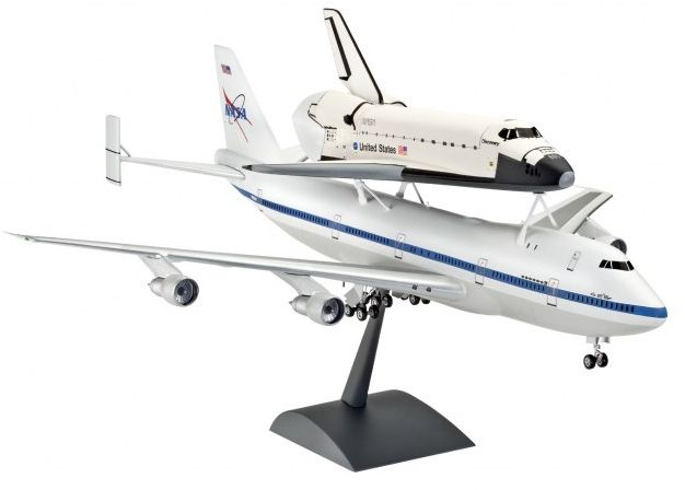 Revell Boeing 747 SCA & Space Shuttle (04863)