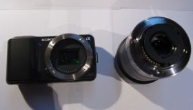Sony Alpha NEX-3 schwarz mit Objektiv AF E 18-55mm 3.5-5.6 OSS (NEX-3KB)