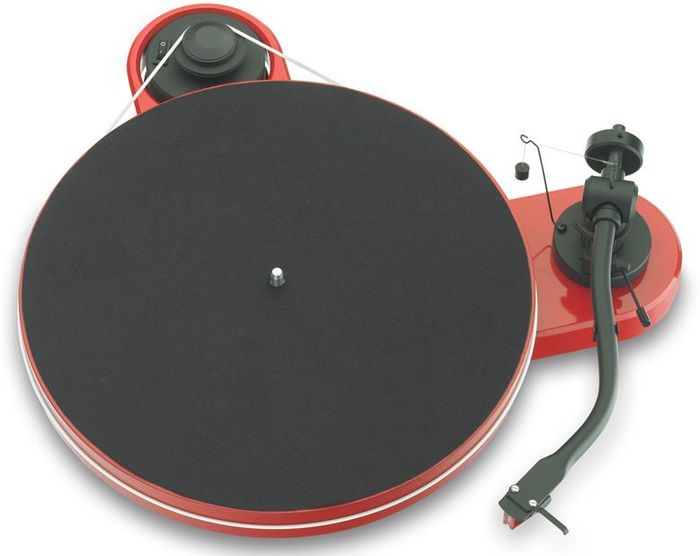 Pro-Ject RPM 1.3 Genie red (with pickups Ortofon 2M Red)