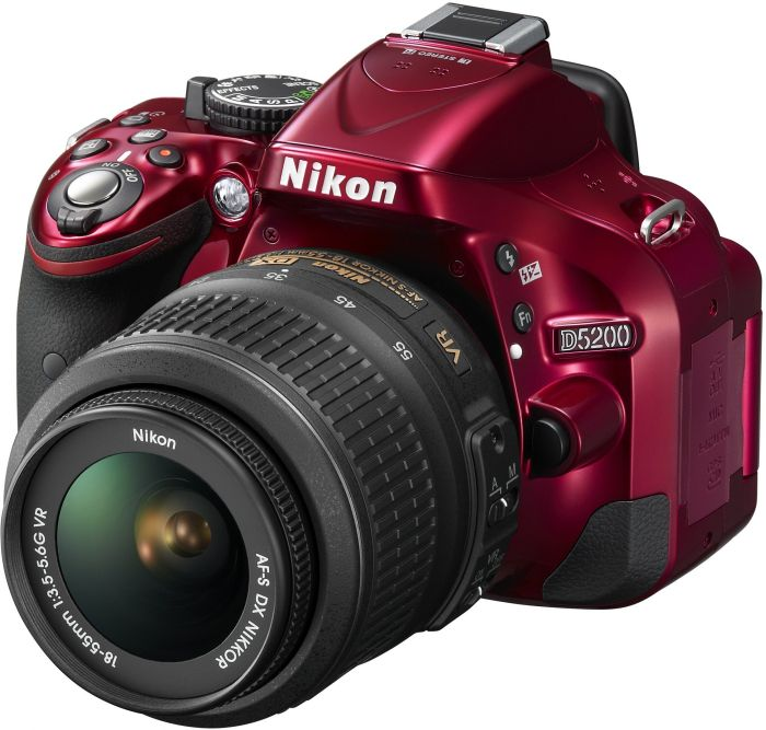 Nikon D5200 (SLR) red with lens AF-S VR DX 18-55mm 3.5-5.6G (VBA351K001)