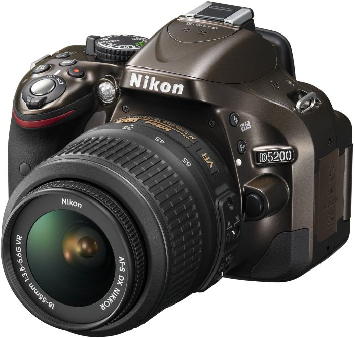 Nikon D5200 (SLR) bronze with lens AF-S VR DX 18-55mm 3.5-5.6G (VBA352K001)