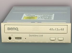 BenQ CRW-4012A/CRW-4012P retail