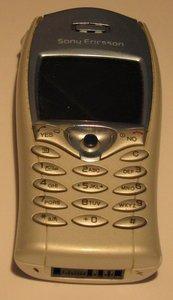 Sony Ericsson T68i -- provided by bepixelung.org - see http://bepixelung.org/3622 for copyright and usage information