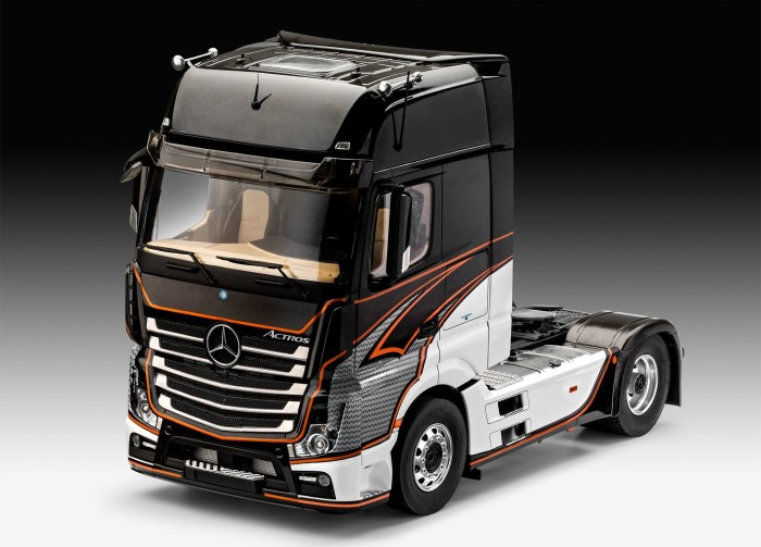 Revell Mercedes-Benz Actros MP4 (07439) from £ 41 10