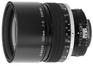 Nikon 135mm 2.0 schwarz (JAA307AC)