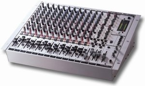 Behringer Eurorack MX2642A -- © Copyright 200x, Behringer International GmbH