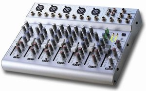 Behringer Eurorack MXB1002 -- © Copyright 200x, Behringer International GmbH
