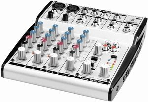 Behringer Eurorack UB802 -- © Copyright 200x, Behringer International GmbH