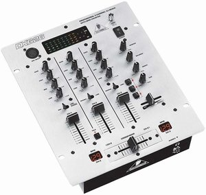Behringer DX626 srebrny -- © Copyright 200x, Behringer International GmbH
