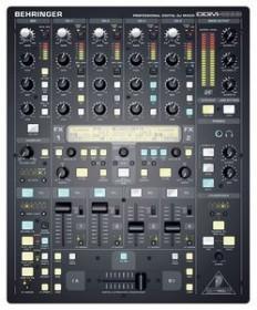Behringer DDM4000 black