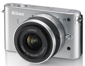 Nikon 1 J2 silber mit Objektiv VR 10-30mm 3.5-5.6 und VR 30-110mm 3.8-5.6 (VVA163K003)