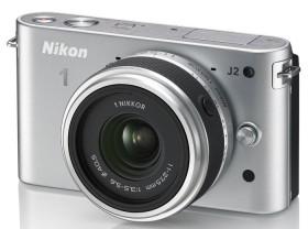 Nikon 1 J2 silber mit Objektiv 11-27.5mm 3.5-5.6 (VVA163K005)