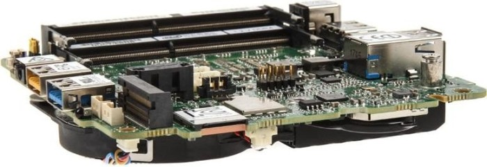 Intel NUC board NUC7i5BNB - Baby Canyon (BLKNUC7I5BNB