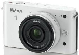Nikon 1 J1 weiß mit Objektiv 10mm 2.8 (VVA152K002)