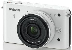 Nikon 1 J1 (EVIL) white with lens 10mm 2.8 (VVA152K002)