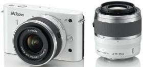 Nikon 1 J1 weiß mit Objektiv VR 10-30mm 3.5-5.6 und VR 30-110mm 3.8-5.6 (VVA152K003)