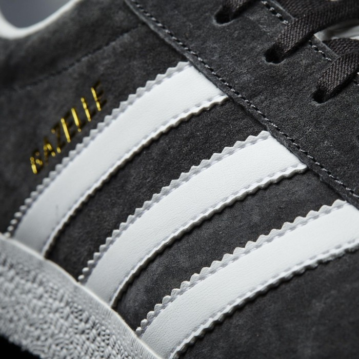 adidas Gazelle solid greywhitegold met (men) (BB5480) from £ 54.06