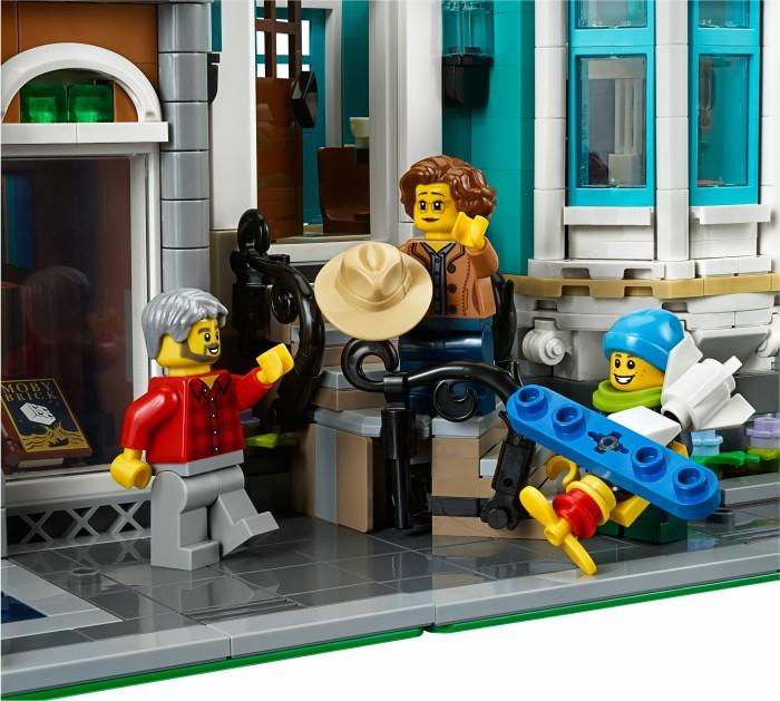 NEW! LEGO Creator Expert 10270 Child Boy Minifigure 5+