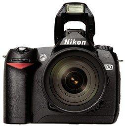 Nikon D70 czarny z obiektywem AF-S DX 18-70mm 3.5-4.5G IF-ED (VBA104S1)