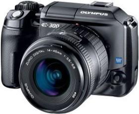 Olympus E-300 schwarz mit Objektiv 14-45mm 3.5-5.6 und 40-150mm 3.5-4.5 (E0413030)