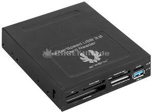 BitFenix SuperSpeed USB 3.0 Card Reader (BFA-U3-KCR35-RP) -- (c) caseking.de