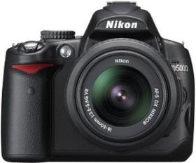 Nikon D5000 schwarz mit Objektiv AF-S VR DX 18-105mm und AF-S VR 70-300mm (VBA240KG02)