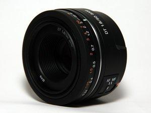 Sony 50mm 1.8 DT SAM schwarz (SAL-50F18) -- © bepixelung.org
