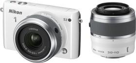 Nikon 1 S2 weiß mit Objektiv 11-27.5mm 3.5-5.6 und VR 30-110mm 3.8-5.6 (VVA222K002)
