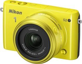 Nikon 1 S2 gelb mit Objektiv 11-27.5mm 3.5-5.6 und VR 30-110mm 3.8-5.6 (VVA224K002)