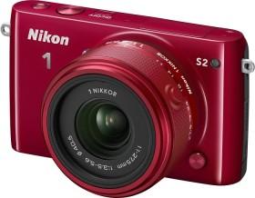 Nikon 1 S2 rot mit Objektiv 11-27.5mm 3.5-5.6 (VVA223K001)