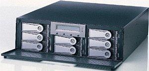 "Promise UltraTrak RM8000, 3.5"", U160-SCSI (Subsystem)"