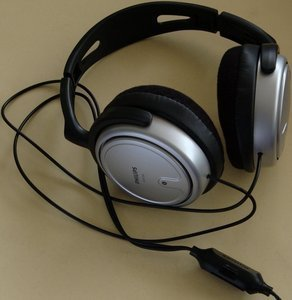 Philips SHP2500 -- This photo was kindly provided by one of our Users