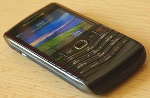 Prepaid BlackBerry Pearl 3G 9105 (various operators) -- ©TarifAgent.com
