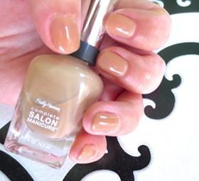 Sally Hansen Complete Salon Manicure Nagellack 725 beige glass, 14.7ml