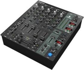 Behringer DJX750 schwarz