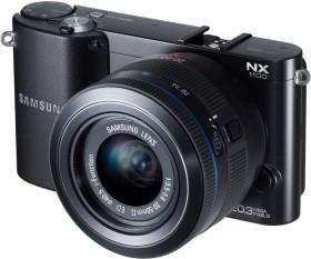 Samsung NX1100 schwarz mit Objektiv 20-50mm i-Function + Galaxy Tab 2 7.0