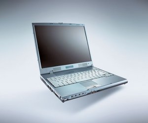 Fujitsu Amilo A7620, Athlon XP-M 2600+