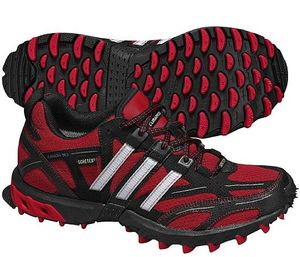 adidas Kanadia 3 (ladies) -- © adidas